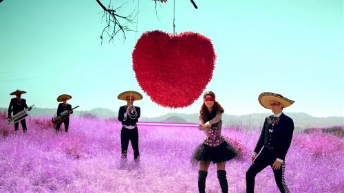 Скачать песню селена гомес love you like a love song на русском